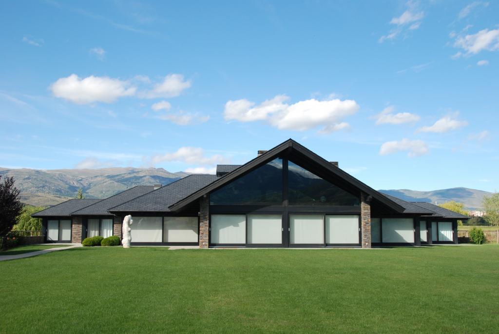 Habitatge Unifamiliar Aïllat de Muntanya. Cerdanya. Alçat posterior